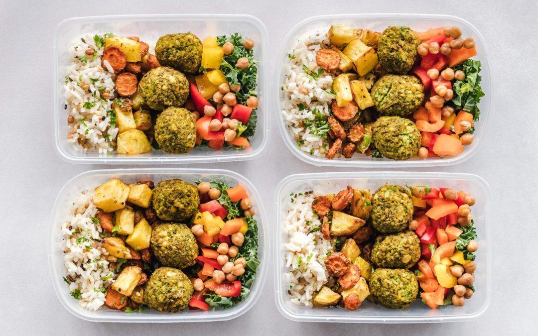 Jaki catering dietetyczny w Warszawa polecacie? – nasz przegląd