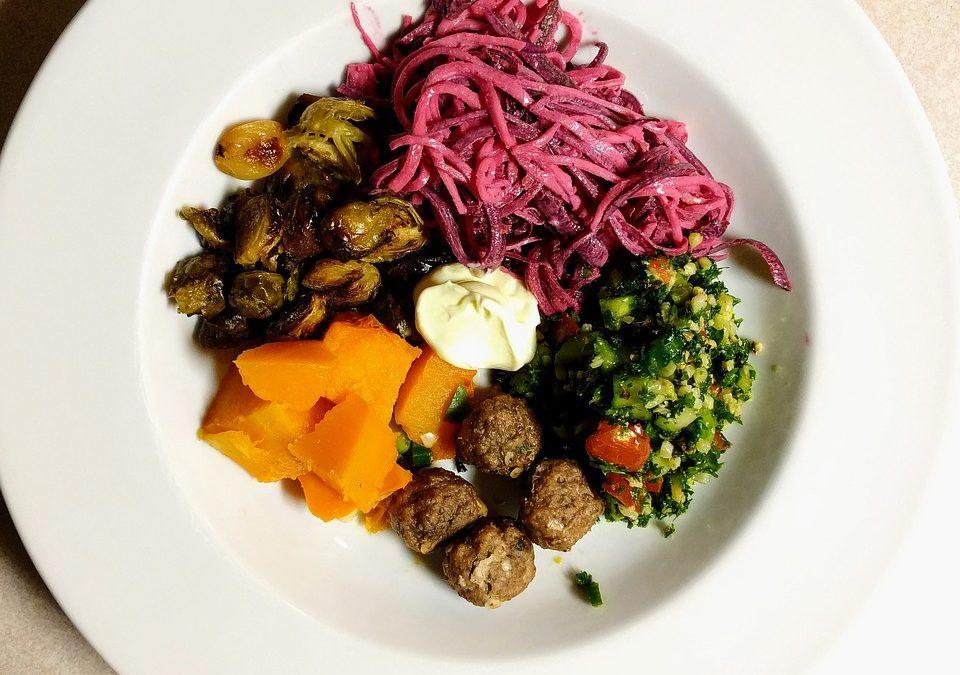 Jeść jak pradawni, czyli dieta człowieka epoki kamiennej